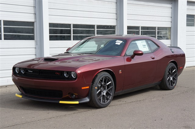 2019 Dodge Challenger >> New 2019 Dodge Challenger R T Scat Pack
